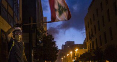 Beirut explosion: World leaders pledge €250m as Lebanon cabinet ministers resign